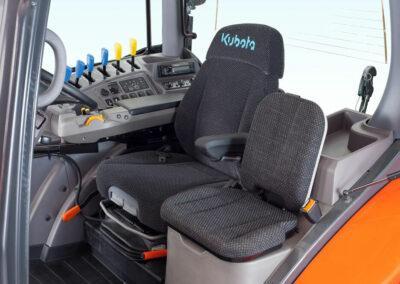 Kubota M6002 cabine stoel